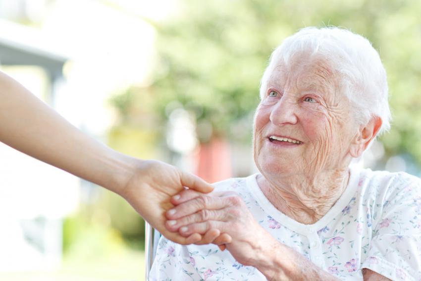 Residencias de ancianos en Madrid, Majadahonda. Centro de mayores para la tercera edad. Precios, plazas concertadas. Profesionales del cuidado y bienestar.