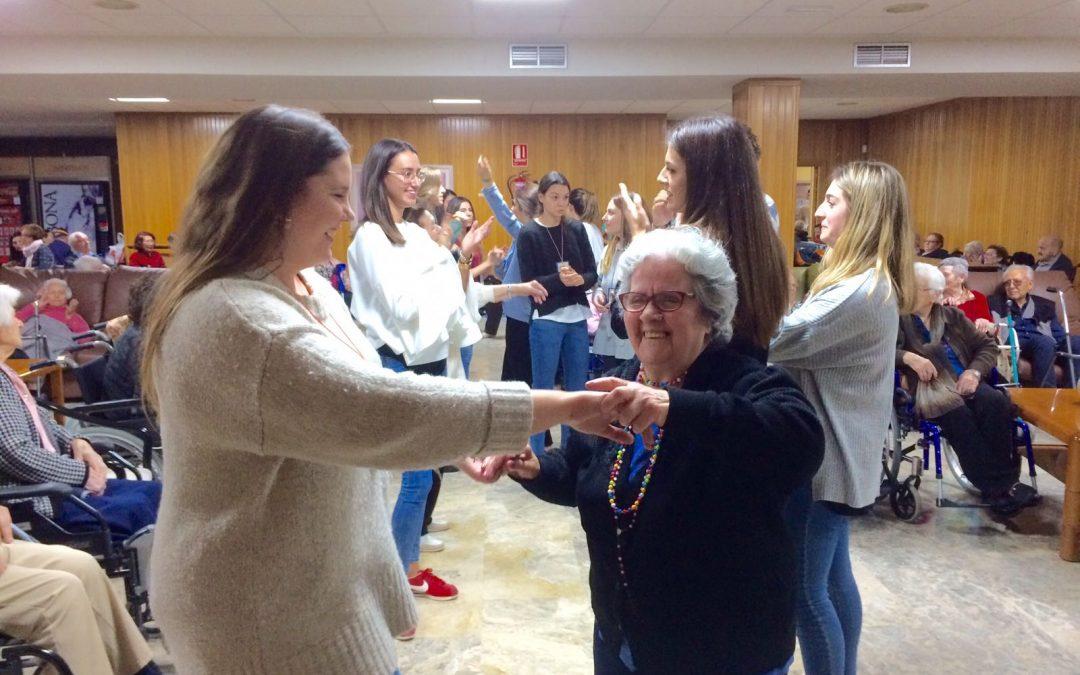 Volan lleva cariño y entretenimiento a las residencias de mayores de Madrid