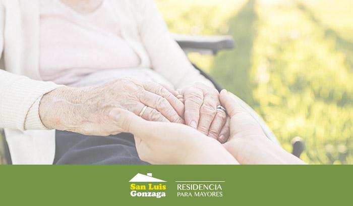 Estancias temporales en vacaciones residencia de ancianos, respiro familiar centro de mayores madrid, majadahonda, julio y agosto, reservzar plaza.