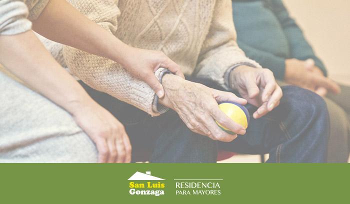 Consejos de nuestra Residencia para poder cuidar ancianos con alzheimer en Navidad